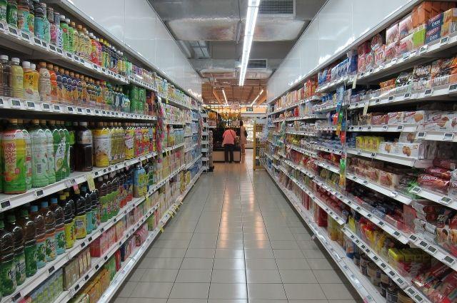 Соцсети: сотрудник продуктового магазина избил мужчину, укравшего товары