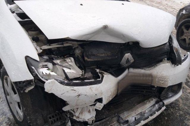 Женщина и ребенок получили травмы в ДТП в Ижевске