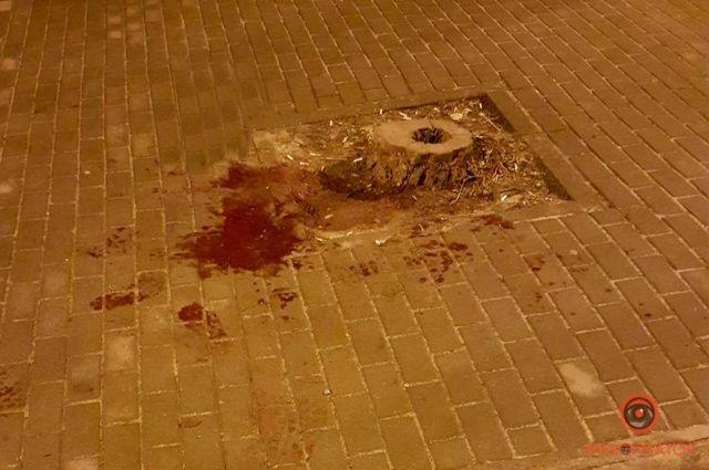 В центре Днепра возле кафе зарезали мужчину: детали