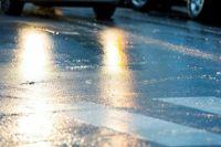 «Укравтодор» предупреждает водителей о мокрых дорогах и гололеде