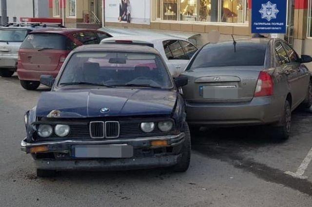 В Харькове пьяный водитель протаранил три автомобиля: детали