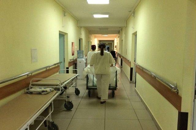 Мальчик с ушибом груди и травмами левой ноги госпитализирован.