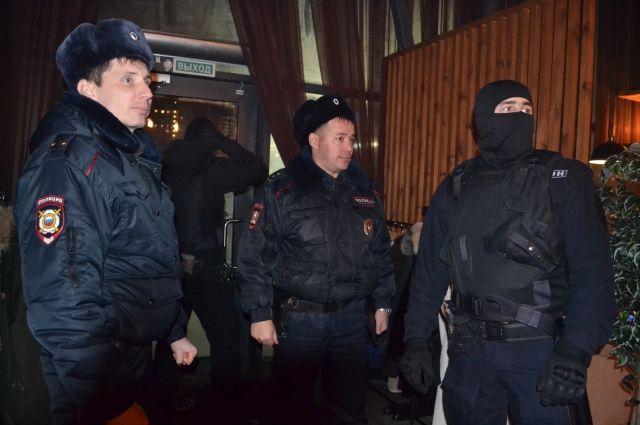 Сотрудники полиции проверили кальянные Оренбурга