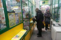 В некоторых аптеках цены на маски подняли в два раза.