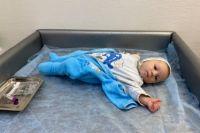 Маленький Дима Киреев родился с дефицитом клеток в крови. Ему сделали уже десять переливаний.