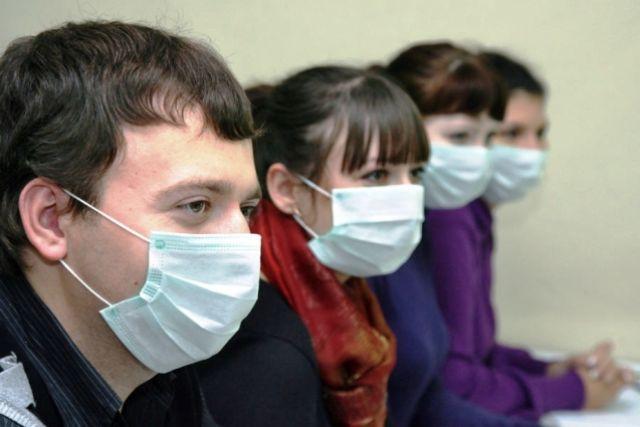 Фармацевты новосибирских аптек отмечают, что максимальный спрос на медицинские маски начался неделю назад.