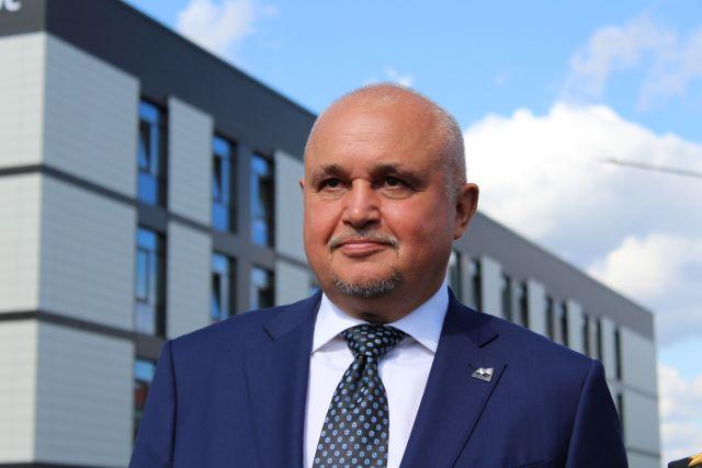Губернатор напомнил Сергей Кузнецову о долгом строительстве школы №81.