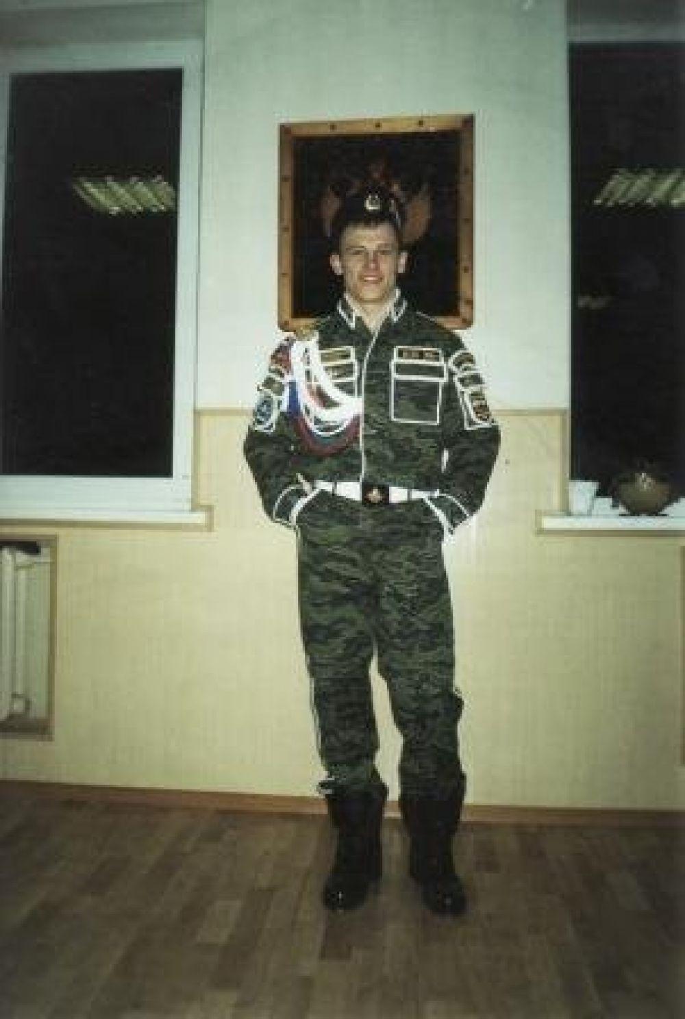 Участник №4: Рустем Юсупов, служил в военно космических силах в г. Краснознаменск московской области.