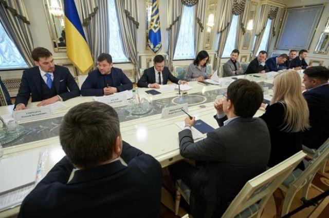 Президент Украины поблагодарил трейдеров за снижение цен на топливо