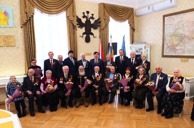 В Тобольске ветеранам войны вручили юбилейные медали к 75-летию Победы
