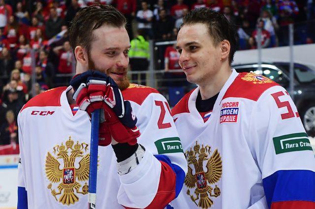 Михаил Григоренко и Алексей Марченко на матче второго этапа Еврохоккейтура.