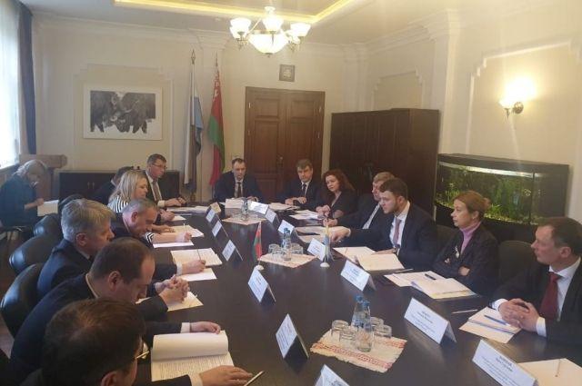 Украина и Беларусь возобновят судоходное сообщение по Днепру и Припяти