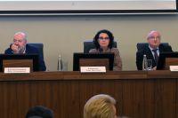 Павел Крашенинников, Талия Хабриева и Андрей Клишас на заседании рабочей группы по внесению поправок в Конституцию.