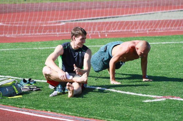 Сергей Шубенков на тренировке со своим наставником