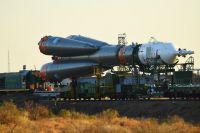 Транспортировка ракеты-носителя «Союз-ФГ» с пилотируемым кораблем «Союз МС-15» на стартовую площадку космодрома Байконур.