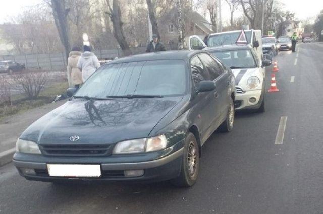 В Калининграде произошло ДТП с четырьмя машинами