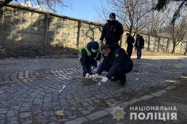 В Мукачево произошла стрельба, двое человек получили ранения