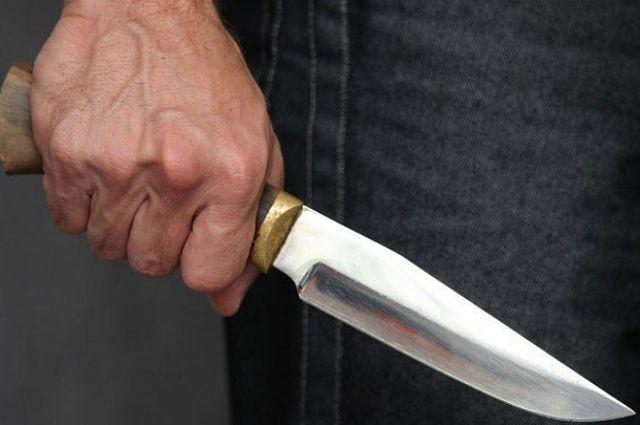В Виннице мужчина пырнул ножом соседа из-за «сплетен»