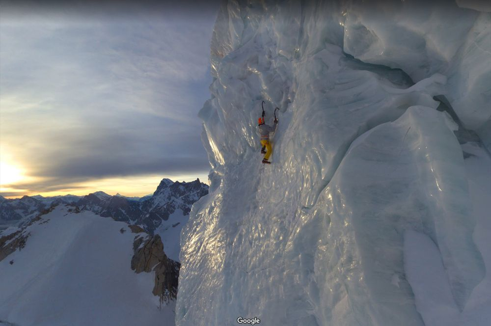 Монблан, Альпы. Горный массив Монблан входит в список «Семь вершин» — это самые высокие горы всех континентов планеты. В него также входят Эльбрус и Килиманджаро. Покорить массив мечтает каждый профессиональный альпинист.