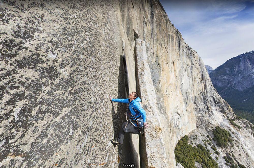 Гора Эль Капитан, Калифорния, США. Гора Эль Капитан — одно из самых популярных мест для восхождений без страховки среди настоящих профессионалов. На вершину проложено около 100 маршрутов, и все они очень высокой категории сложности.