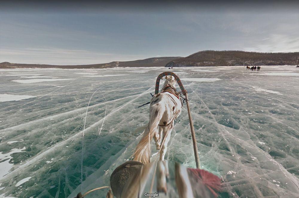 Озеро Хубсугул, Монголия. Озеро Хубсугул называют младшим братом Байкала. Их соединяет река Эгийн-Гола, впадающая в Селенгу, крупнейший приток Байкала. Хубсугул — одно из 17 древнейших озёр Земли, возраст которых превышает 2 миллиона лет.