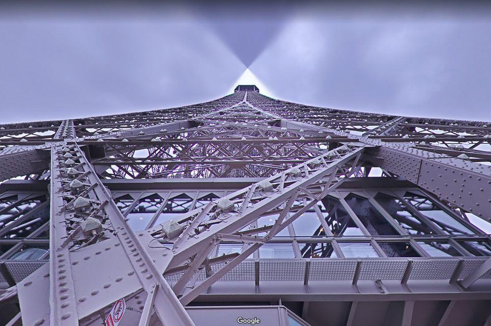 Эйфелева башня, Франция. Эйфелева башня — одна из самых известных достопримечательностей в мире. Чтобы попасть на смотровую площадку, нужно отстоять длинную очередь, да и сделать удачное фото из-за потока туристов будет крайне непросто.