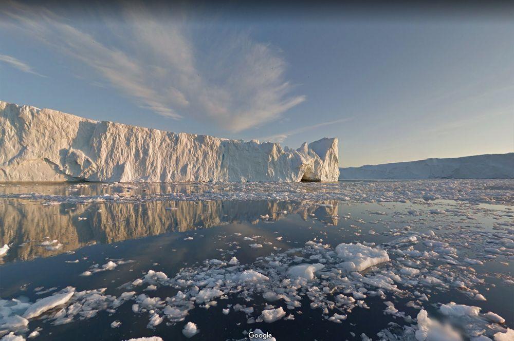 Фьорд Иллулисат, Гренландия. Город Иллулисат получил свое название не случайно — на гренландском оно означает «айсберги». Одна из главных достопримечательностей города — ледяной фьорд, образованный ледником Сермек Куджаллек.