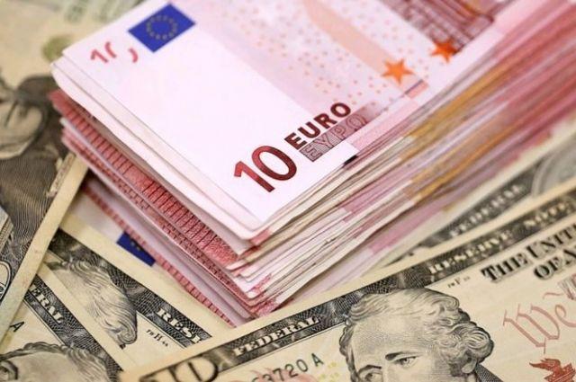 Курс валют на 10 февраля: курс доллара снова упал