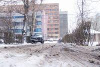 Сегодняшний снег и вчерашний дождь превратили дороги в кашу.