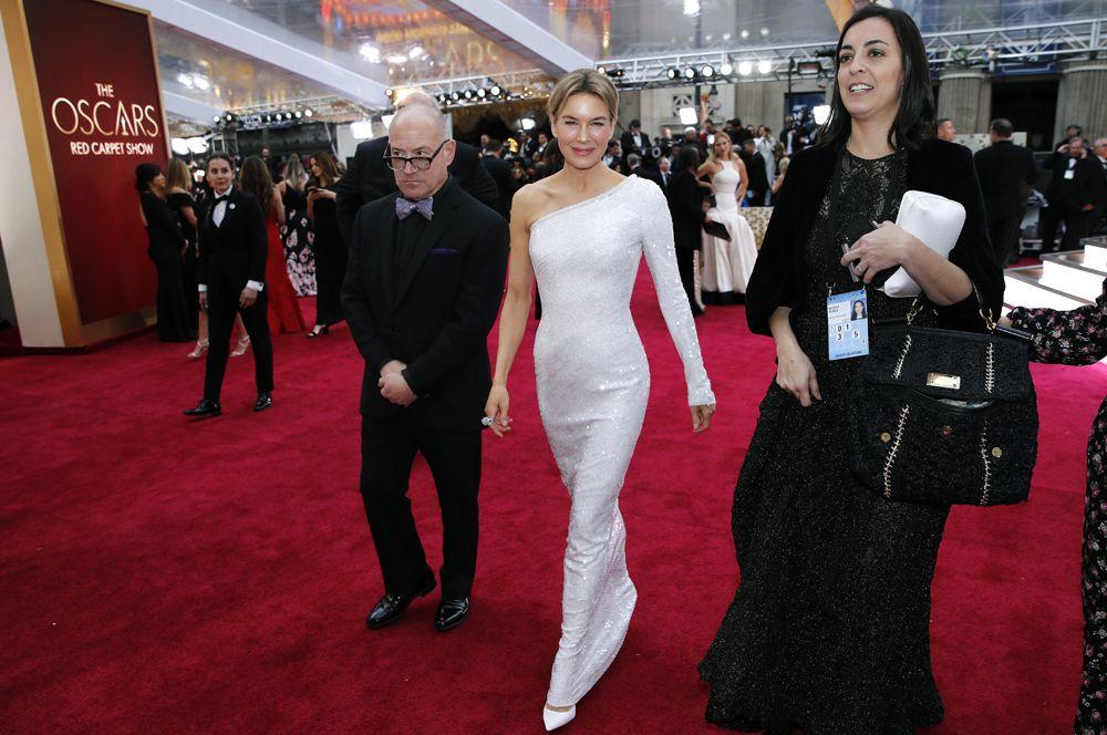 Рене Зеллвегер, получившая «Оскар» как лучшая актриса.