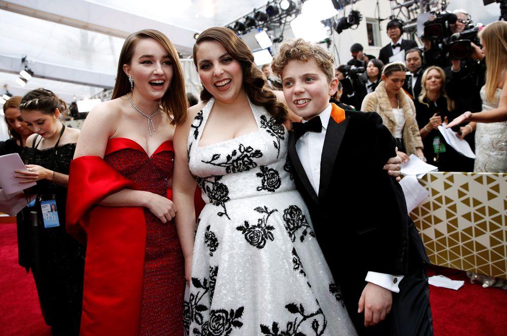Актеры Кейтлин Девер, Бини Фелдштейн и Роман Гриффин Дэвис.
