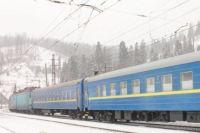 Из-за непогоды во Львовской области задерживаются поезда