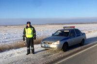 Младший лейтенант полиции Владислав Робертус довез кузбассовца до ближайшей заправочной станции.
