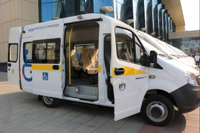 Для тех, кто достиг возраста 65 лет, организован бесплатный транспорт.