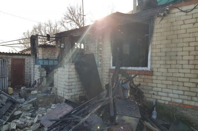 Под Харьковом бабушка вынесла из пылающего дома маленького внука