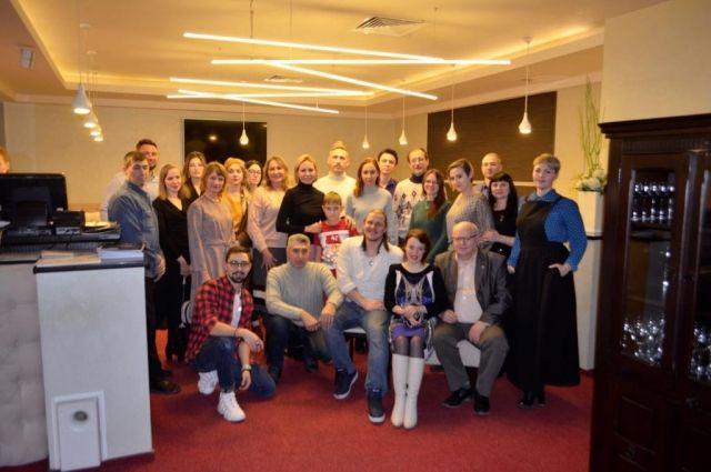 Актеры тюменского драмтеатра зачитали пьесу в новом формате