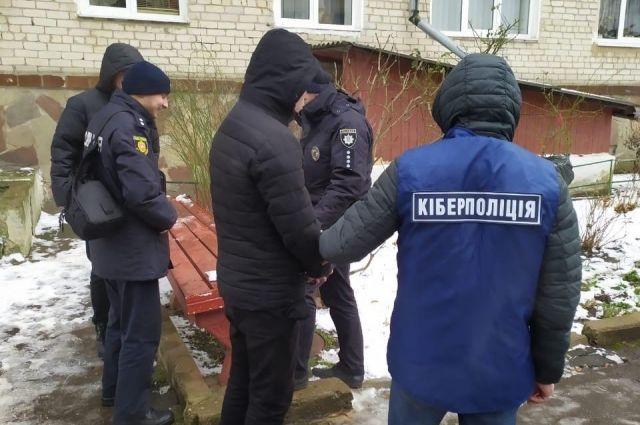 В Ровенской области раскрыли схему выманивания денег псевдополицейскими