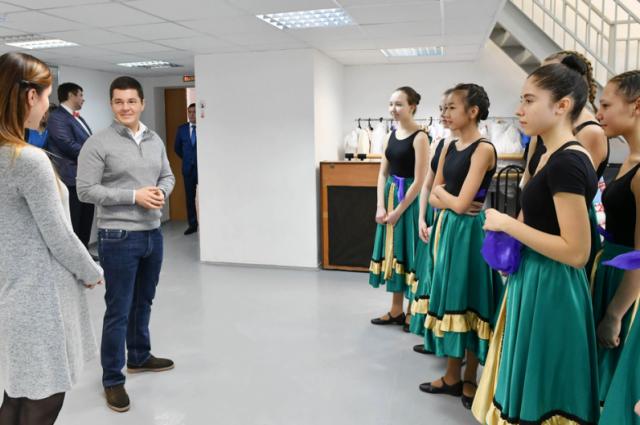 Губернатор Ямала посетил салехардскую детскую школу искусств