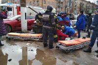 Водитель фольксвагена погиб, пятеро пешеходов оказались в больнице. Эмиль Байрамов не пострадал.