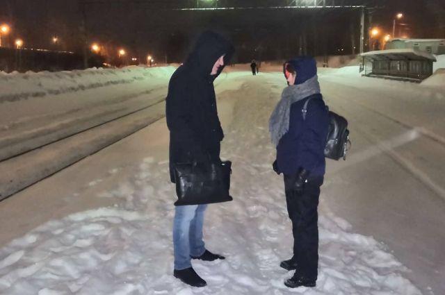 Дмитрий Махонин проехал на электричке инкогнито.