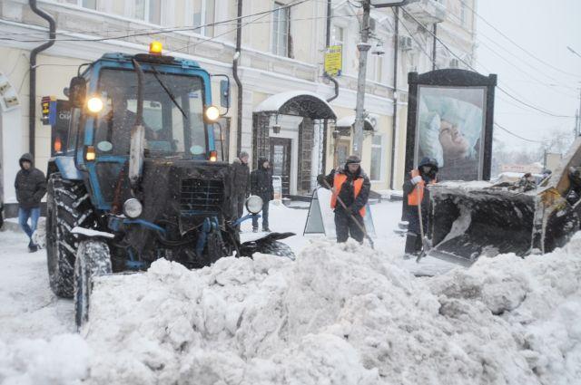 Жители Новотроицка жалуются на плохую уборку тротуаров и дорог.