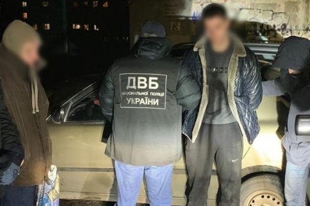 В Николаеве полиция задержала на сбыте марихуаны двух патрульных