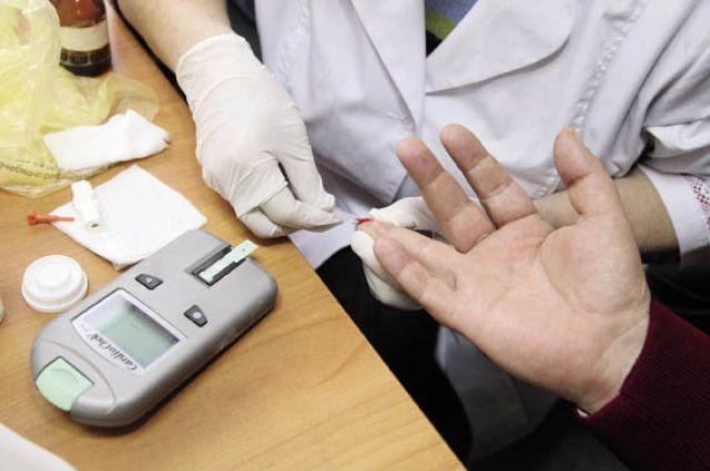 Диабетикам предлагают бесплатно измерять уровень сахара в поликлиниках.