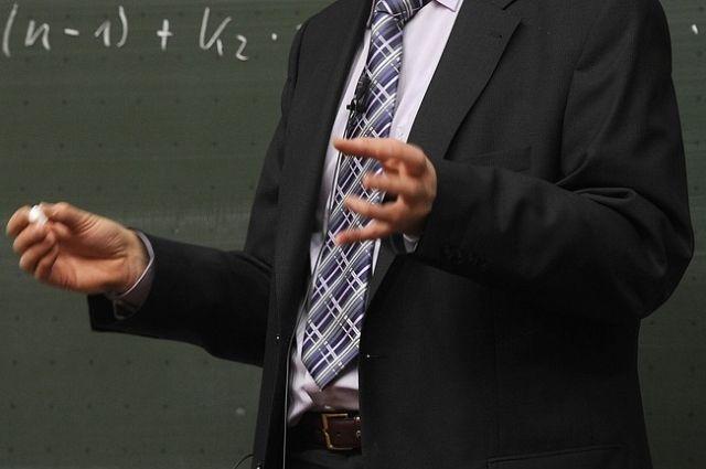 Минобрнауки об учителе: «Он хороший и грамотный педагог».