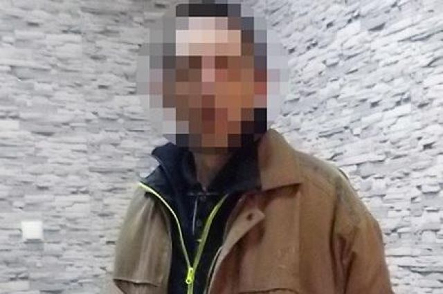 В Киеве мужчина ограбил пенсионерку, представившись электриком