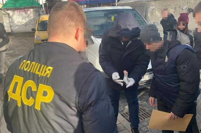 Во Львовской области чиновников Госпродпотребслужбы задержали на взятке