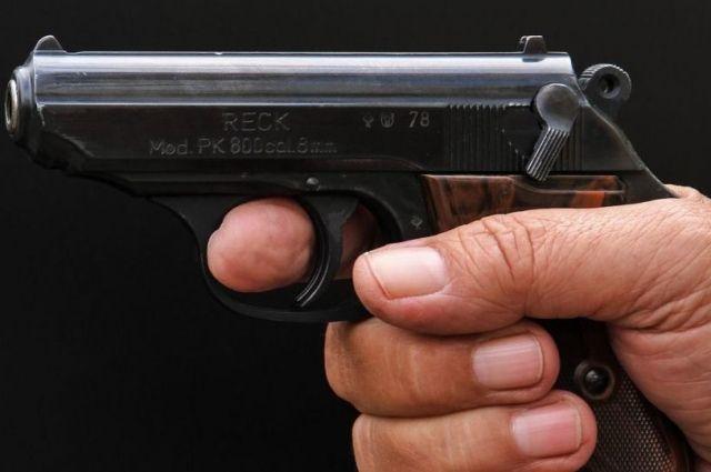 Мужчина открыл стрельбу в киевском спортзале: есть пострадавший