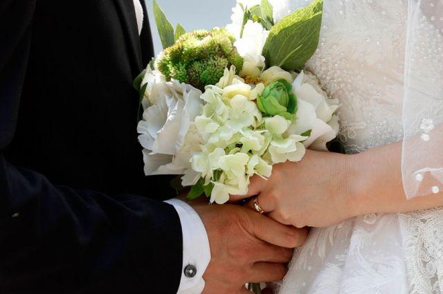 В Минюсте сообщили, сколько пар зарегистрируют брак в День влюбленных