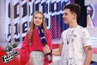 10-летняя девочка спела песню Шнурова о «лабутенах».