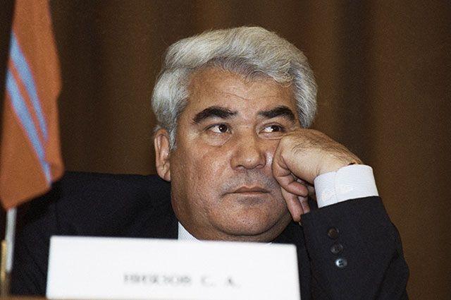 Президент Туркменистана Сапармурат Ниязов на встрече глав 11 независимых государств, бывших республик СССР, которые собрались для подписания Протокола о создании СНГ. 21 декабря 1991 г.